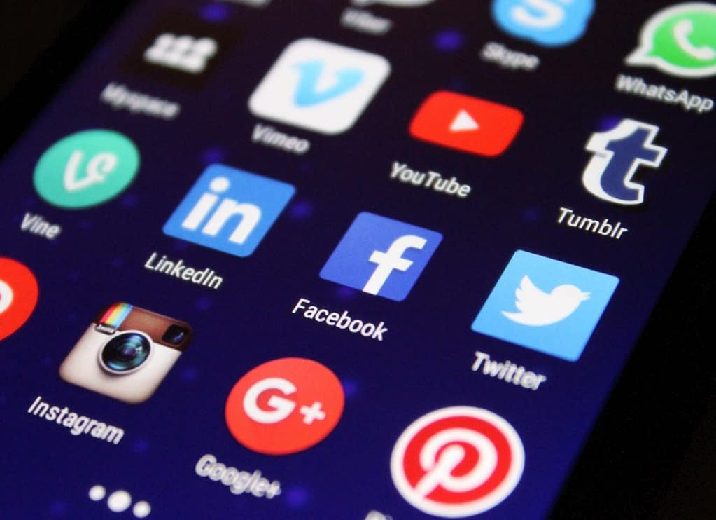 increasing social media following how to start a business with no money poor habits